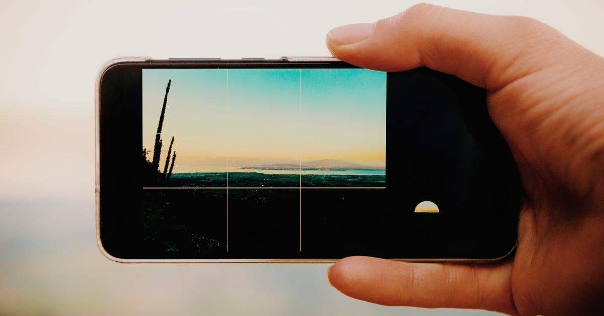 Gridlines on smartphone-1